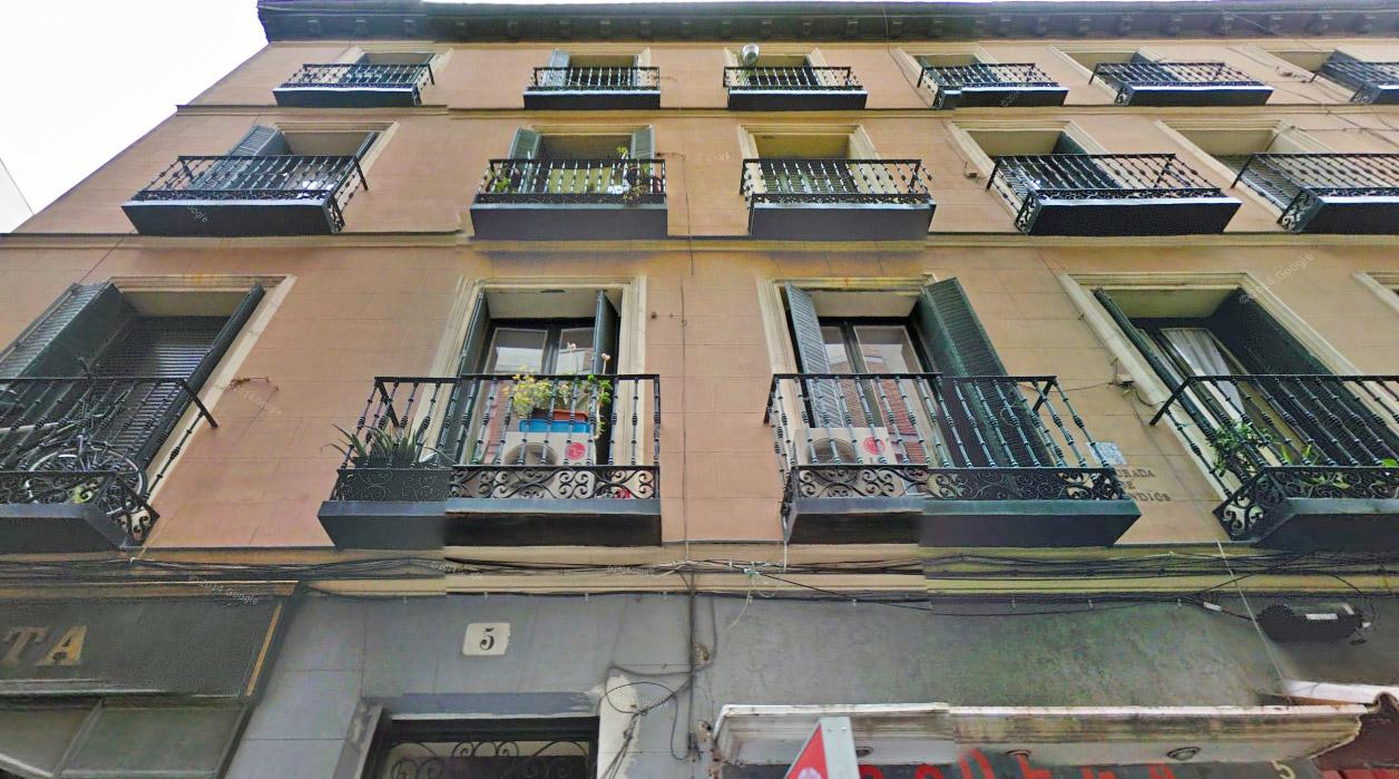 Habitaciones C/San Leonardo 8